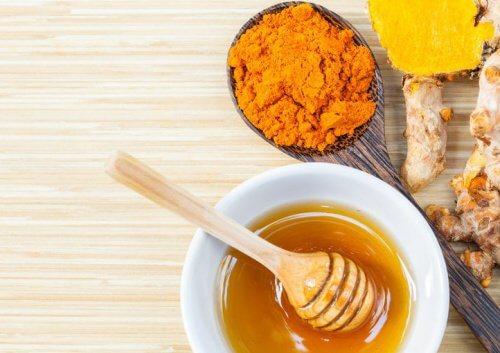 1-turmeric-and-honey